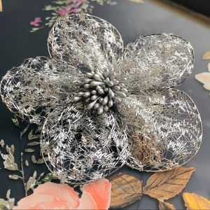 Accessories - ✨ Beautiful Large Silver Flower Hair Clip ✨